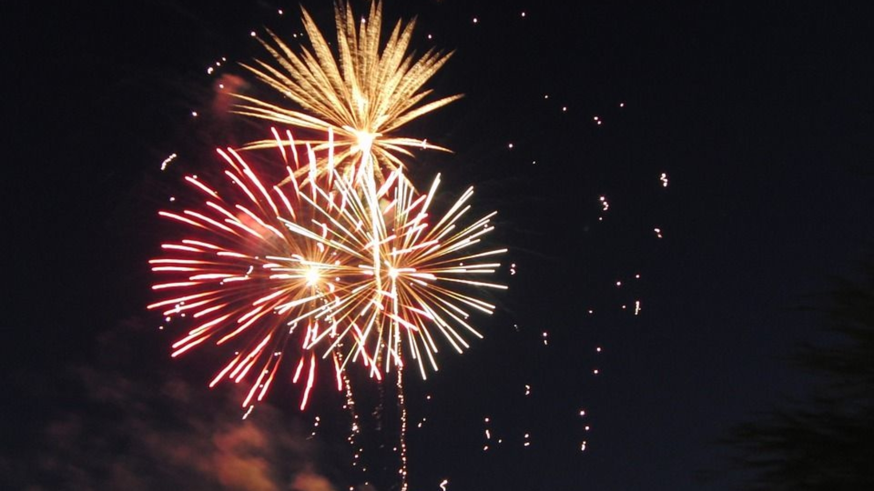fireworks-143317_960_720