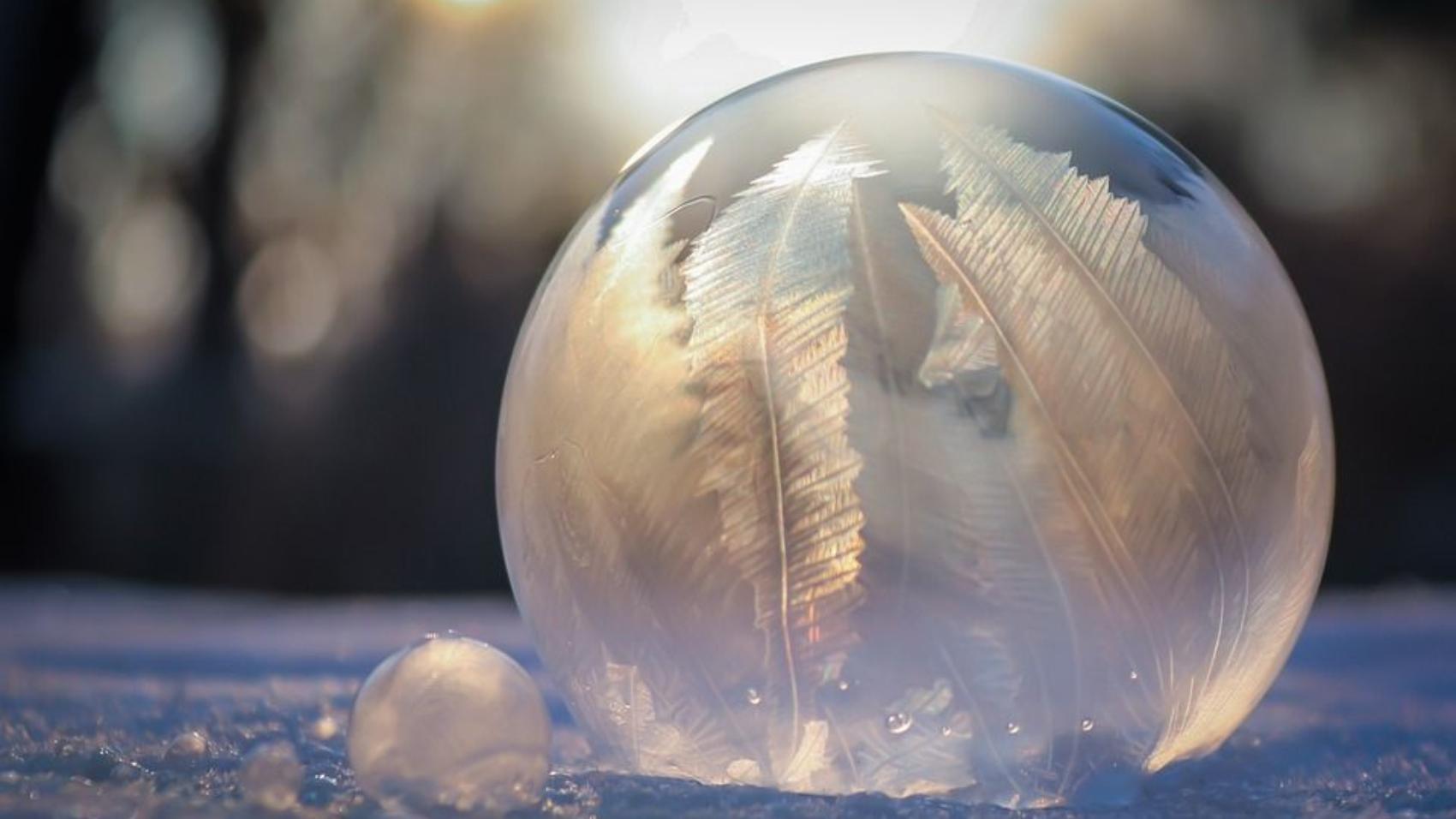 frozen-bubble-4703446_960_720
